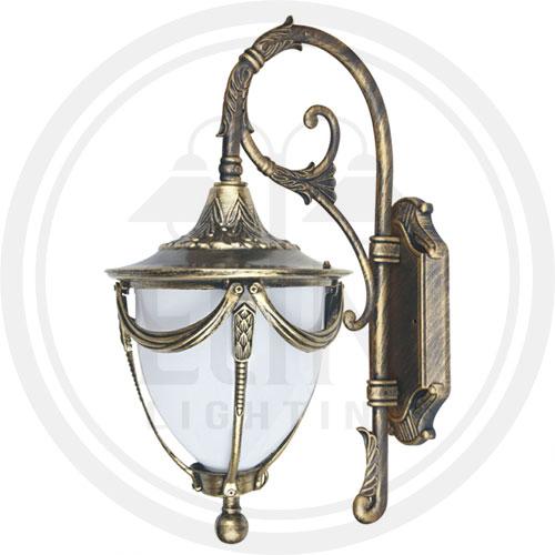چراغ دیوارکوب سلطنتی